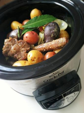 Beef Oxtails in Slow Cooker