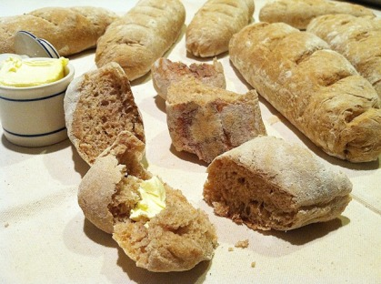 Freshly Baked Artisan French Bread_with Butter