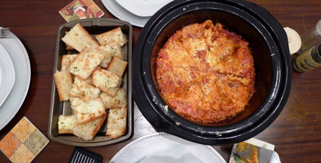 Crock Pot Lasagna and Cheesy Garlic Bread